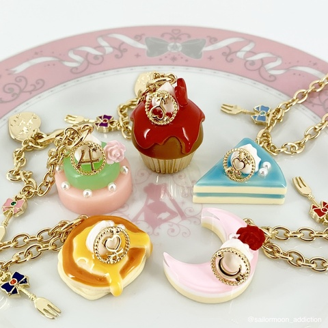 Sailor Moon Store Exclusive Sweets Bag Charm Review